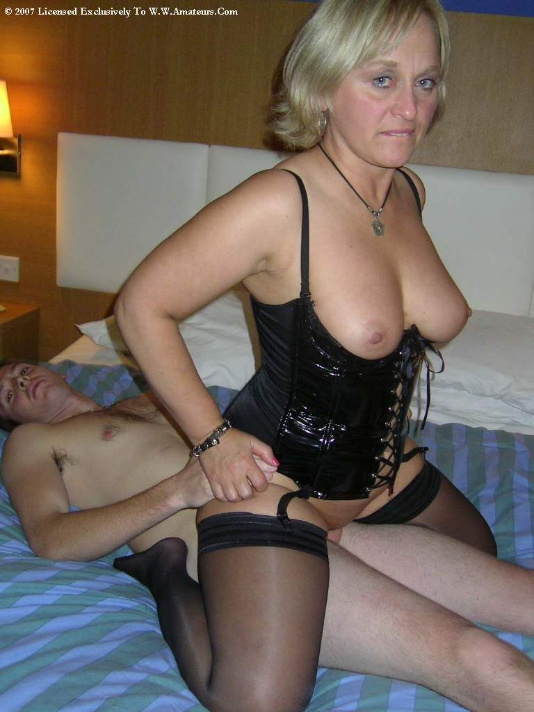 submitted swinger pary pictures